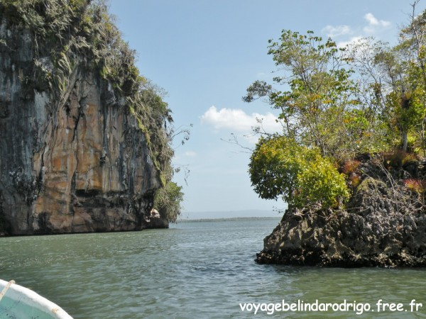 Cayos y Mogotes - Bahia San Lorenzo - Parque Nacional Los Haitises