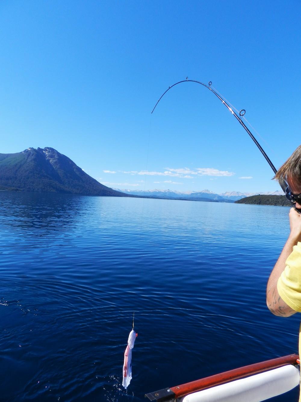 Bonne Pêche ! - Lago Nahuel Huapi
