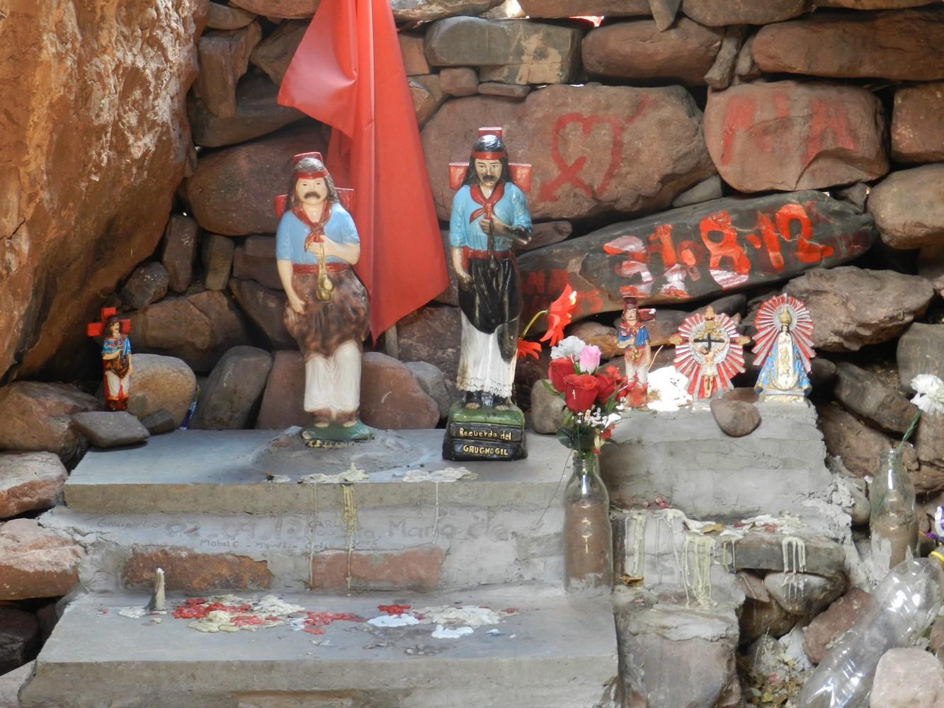 Las Casas Enterradas - Autel Gaucho Gil