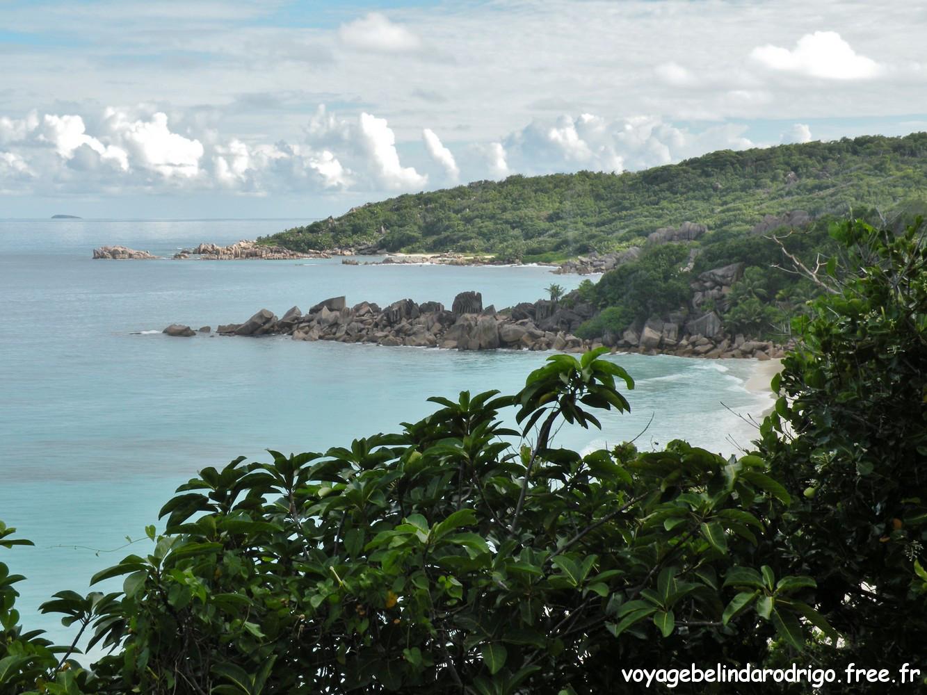 Vue sur Petite Anse et Grand Anse - La Digue