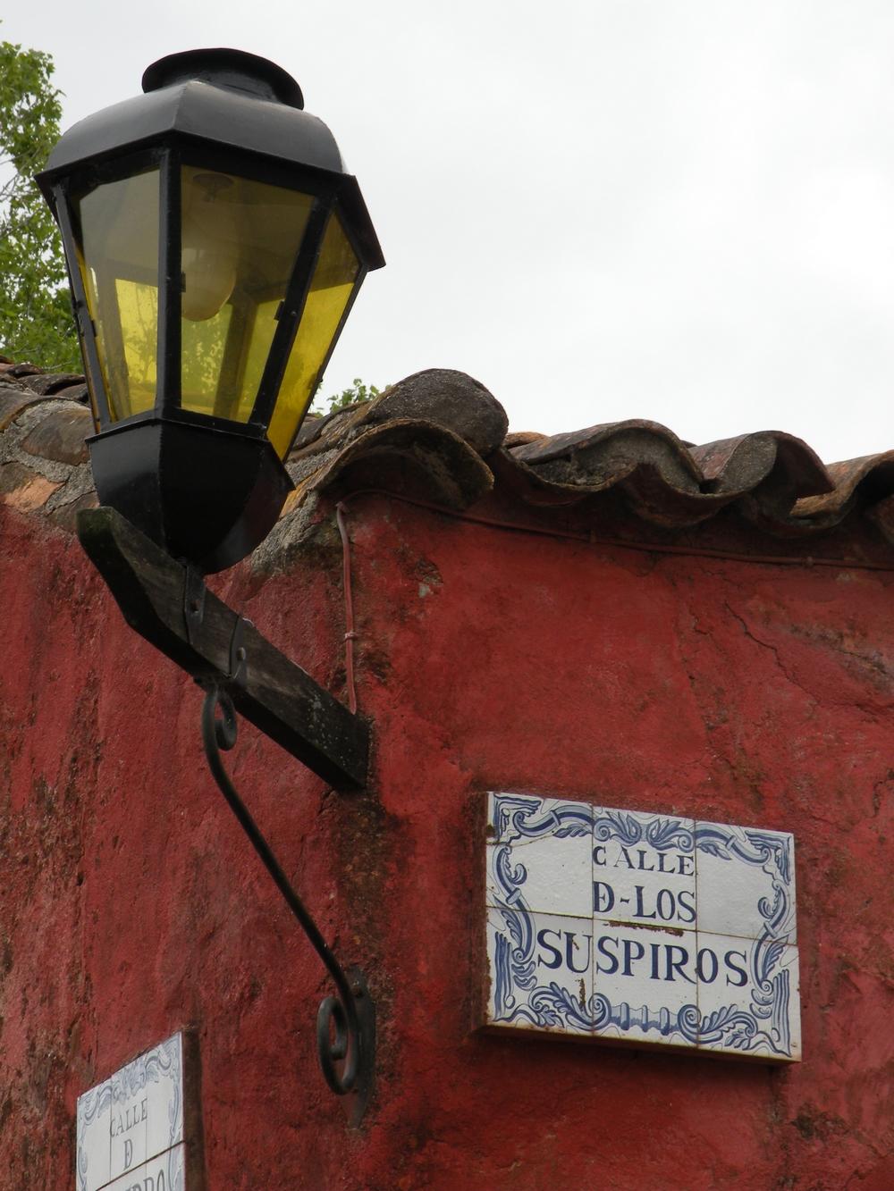 Calle los Suspiros - Colonia